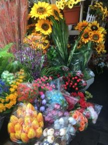 plastic/ textile flowers